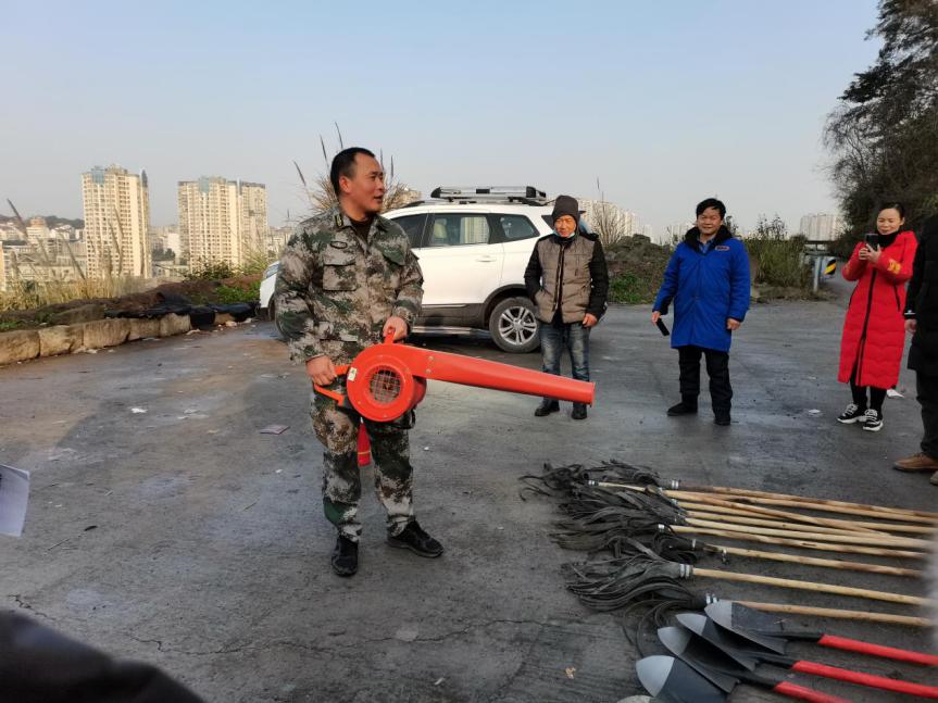 东兴区新江街道开展草原森林防火演练