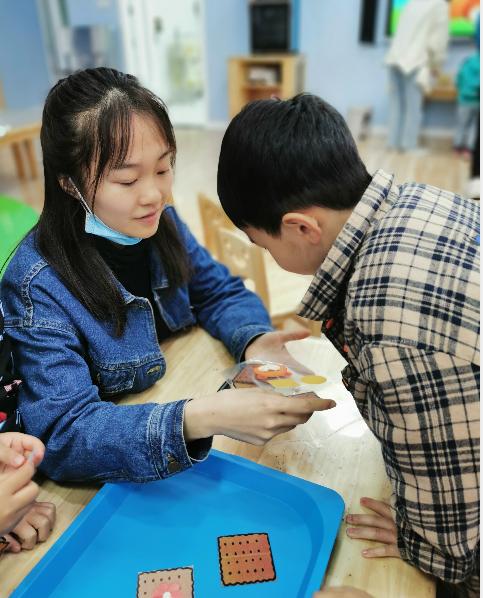 考核促成长,匠心谱芳华 ——内江市实验幼儿园开展青年教师考核课活动