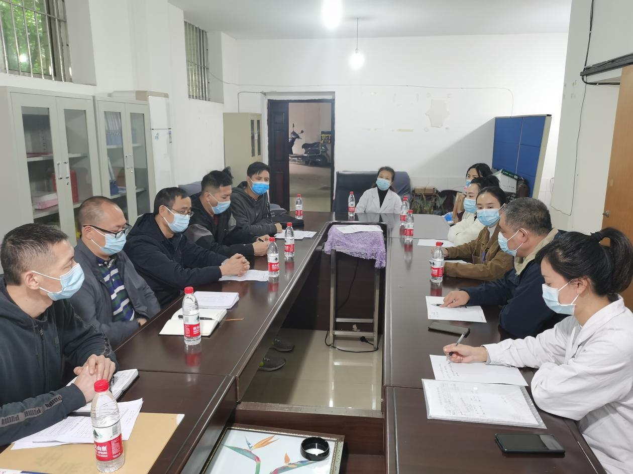 内江市市场监管局党组成员、副局长黄青带队督促高新区药械化不良反应监测工作